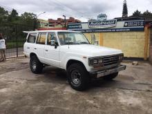 http://autopedal.com/media/com_expautospro/images/big/carros_y_camionetas_toyota_land_cruiser_5d03faded2276.jpg